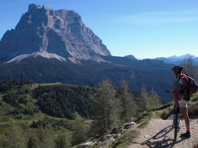 Man cycling in the mountains of Alleghe